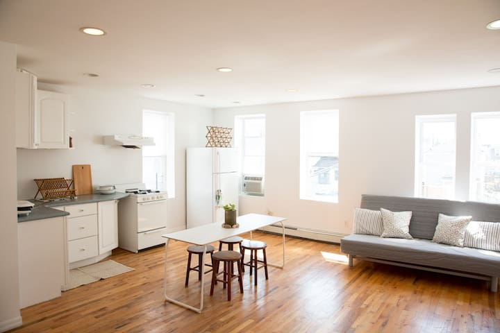 Surfside Studio - Queens - Apartemen