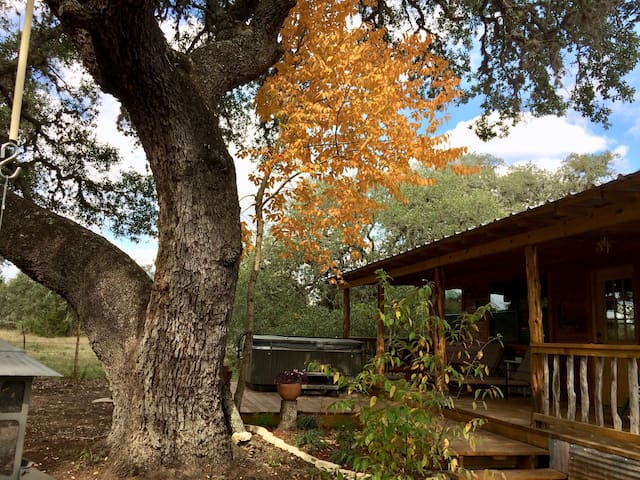 Kat's Kabin at Four Sisters Ranch, Utopia, TX
