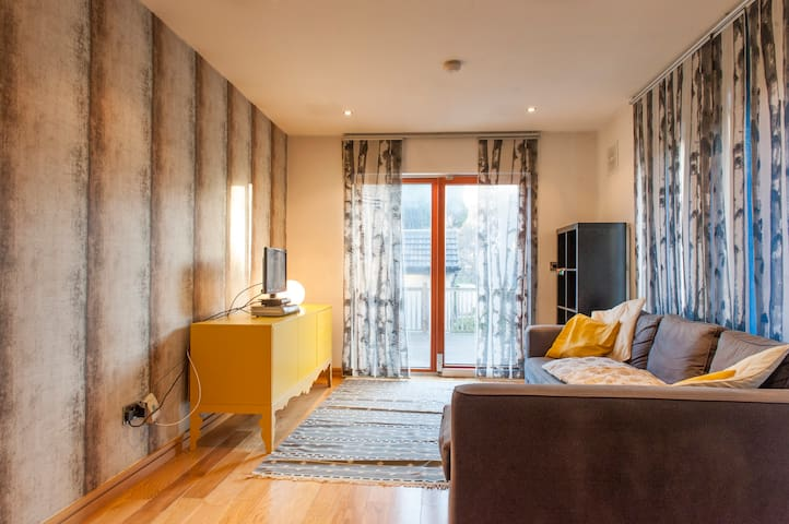Modern 1 bed house with parking
