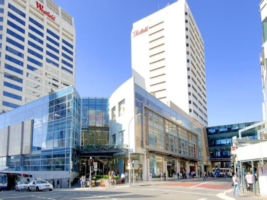 Bondi Junction's Westfield - 3 minute stroll from our apartment. Bondi Junction train station is also a 5 minute walk with buses and trains going every couple of minutes to Bondi Beach, Martin Place, Town Hall and Central Station.
