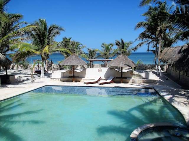 Simply Paradise. Escape to the Yucatan. 4 persons.