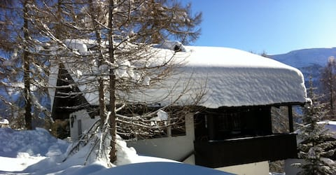 Chalet Bijou Bellwald - just beside the ski slope