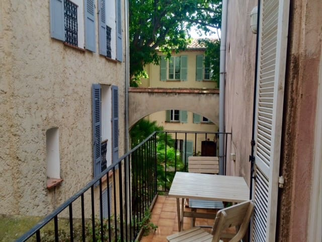 Antibes - Large 1 bedroom - Old Town - Antibes - Apartemen