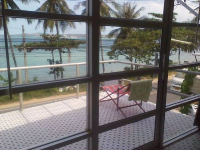 Direct Beachfront, One Bedroom Two Story Apartment