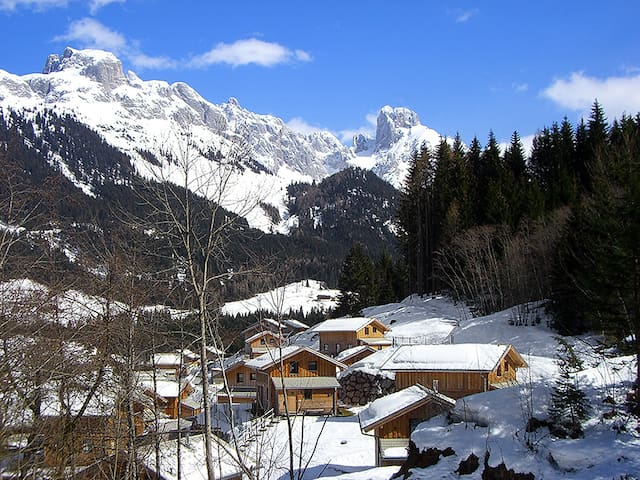 """Alpenrose"", 4-room chalet 90 m² for 8 persons"