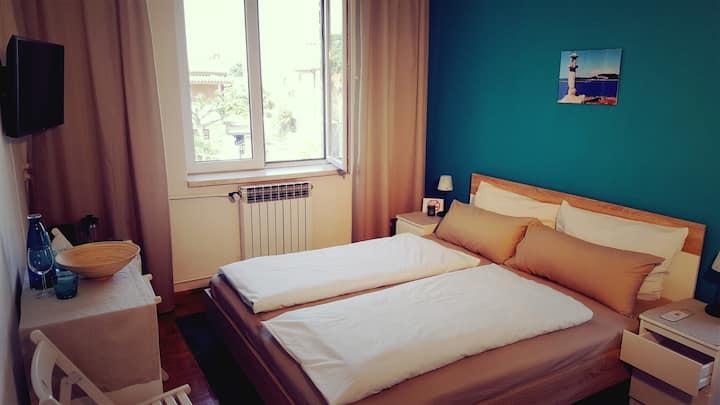 Adriatic Blue: en-suite room in Villa Csipak
