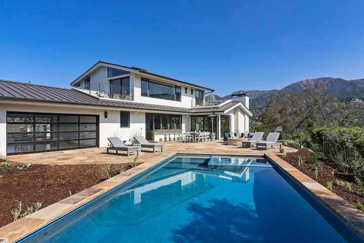 Ocean and Mountain View Luxury Villa