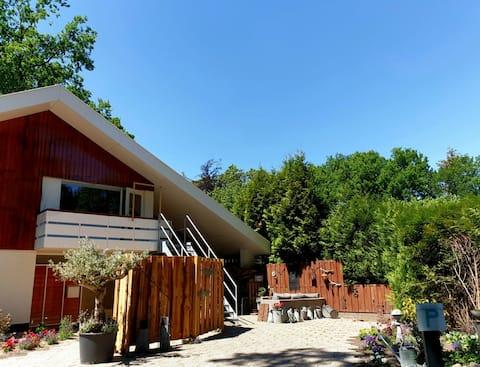 Appartement (54m2) met eigen opgang in bosvilla