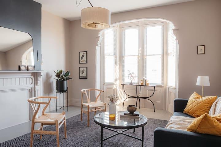 Gentle Season: A Lovely Historic Apartment