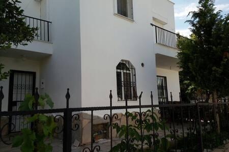 Müstakil bahçeli dubleks - Bodrum