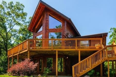 Custom Log Cabin, Hot Tub, Views - Lake Lure - Haus
