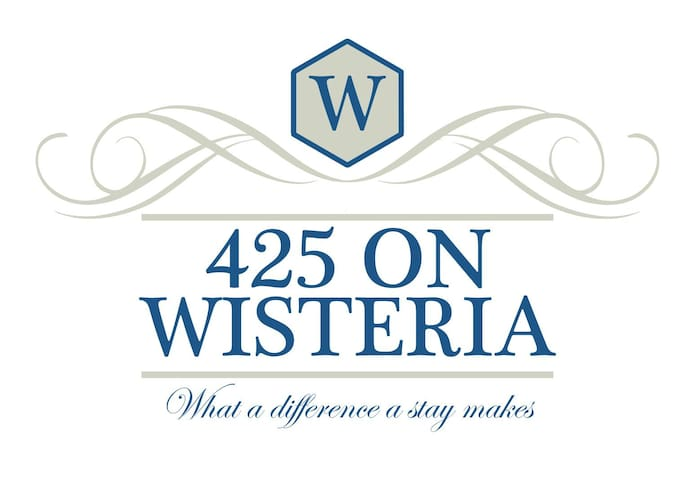 425 on Wisteria
