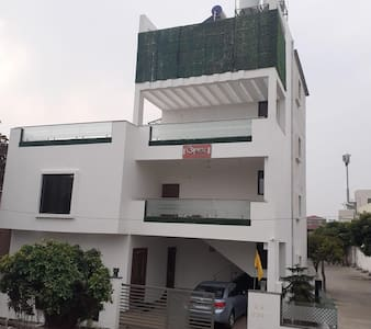 Fully Furnished 7 Room Villa for Group @ Old Minal