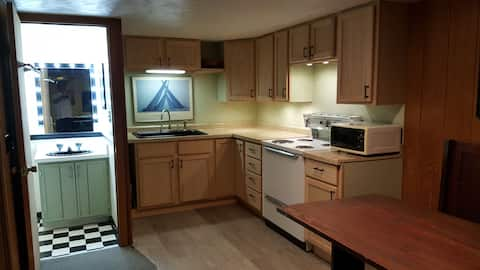 Cool furnished Apartment Near Downtown Escanaba