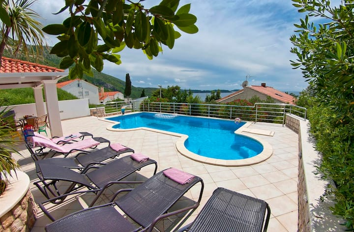Apt.no.3 at Lux Seaview Villa Pool, Plat Dubrovnik