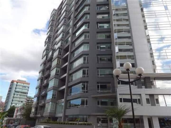 Departamento entero corazón comercial Quito