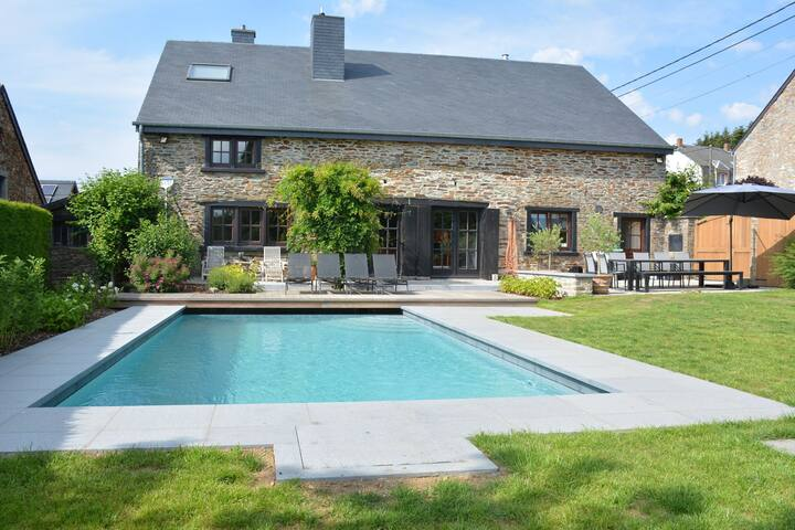 Very nice elegant house with swimming pool, sauna in the heart of the Ardennes