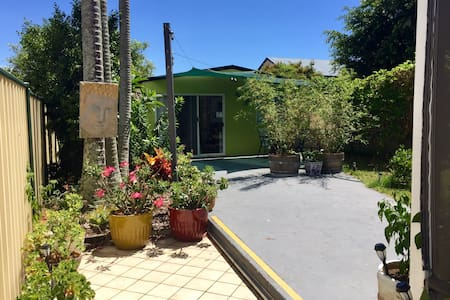 fully furnished 2 bedroom studio short term rental