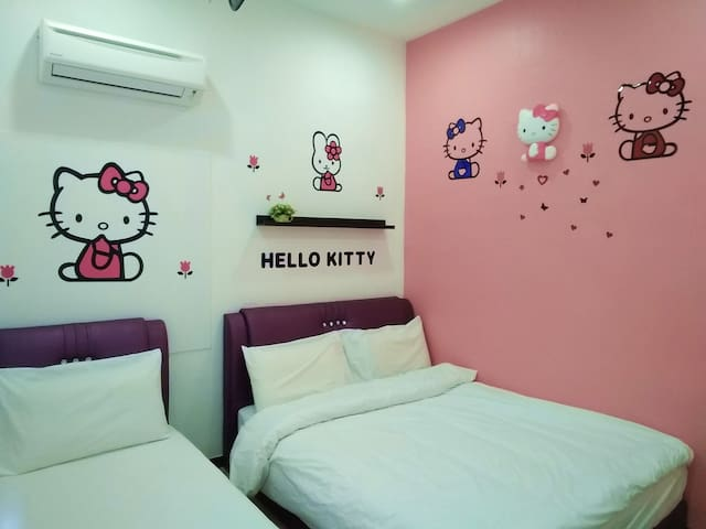 2nd Bedroom (Kitty Theme) - 1 Queen + 1 Single - (3 Pax)