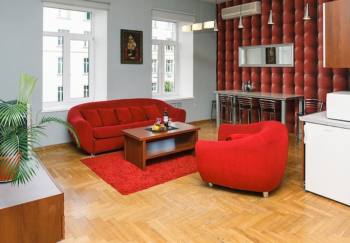 the sofa converts into a comfortable double bed with mattresе