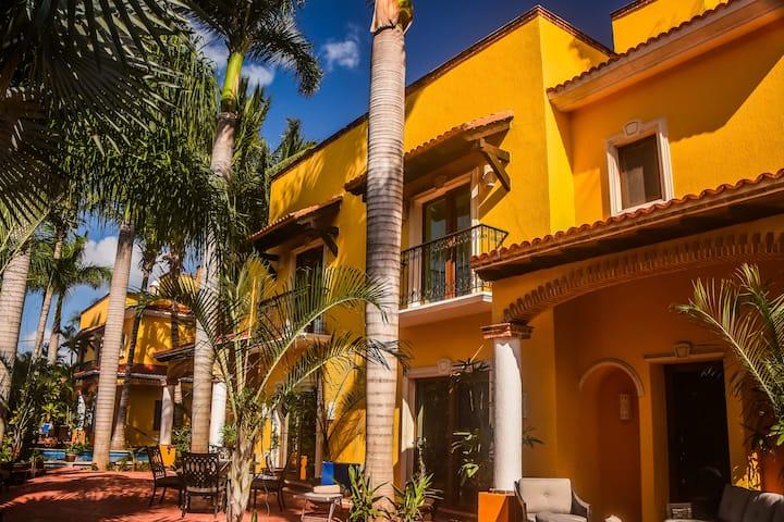 Luxury Private Villa Estate , 15Msqft 9 bed/9 bath