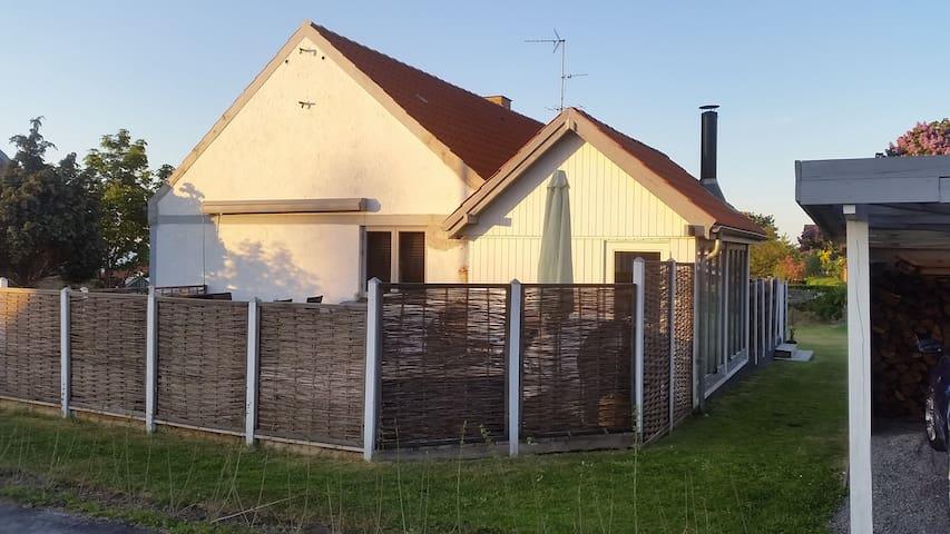 Familie hus på Bornholm med have, tæt ved strand - Allinge - Casa