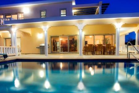 4 master bedrooms, Ocean View, with Pool  villa