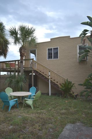 Breezy View Hideaway - 1br with a river view!
