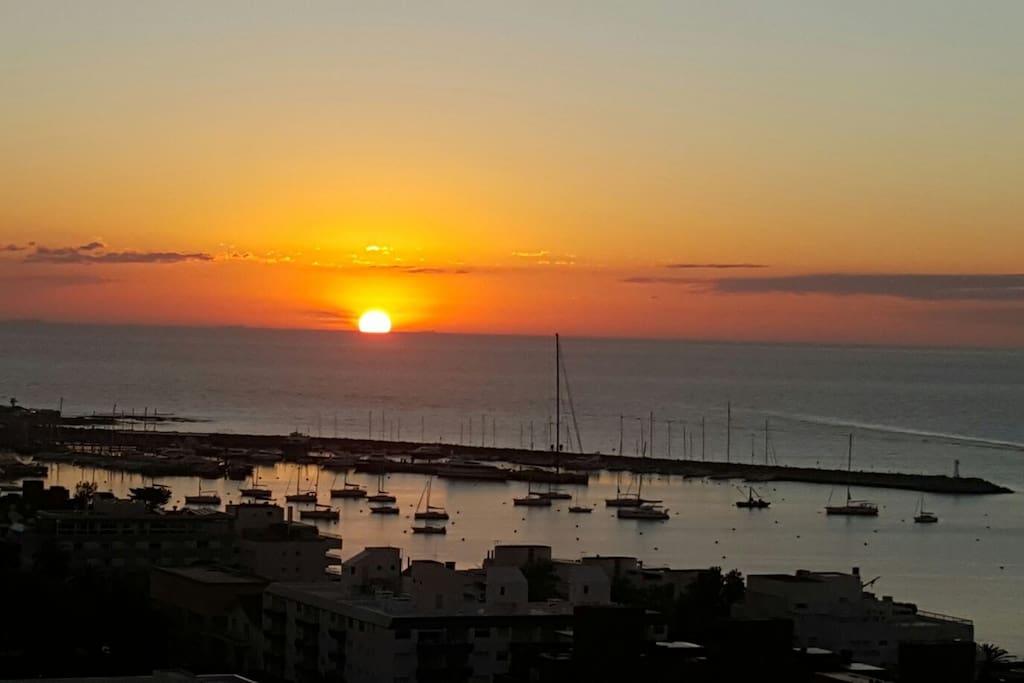 Inigualable vista franca a la bahia mansa, isla gorriti y puerto!