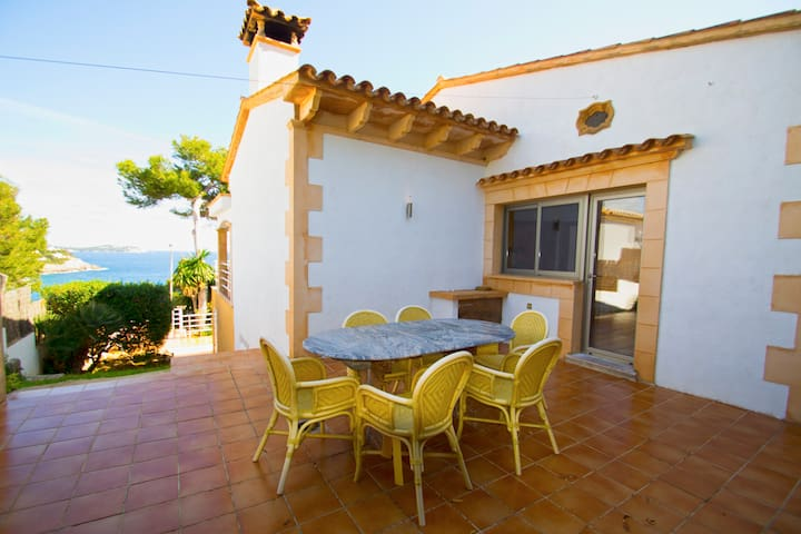 Villa con espectaculares vistas al mar - Provensals - Villa