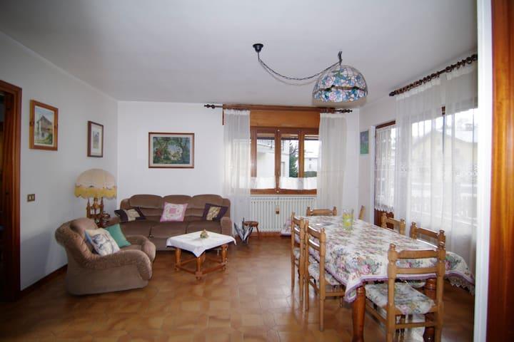 Appartamento in montagna. Con WiFi. - Quincod - Apartamento