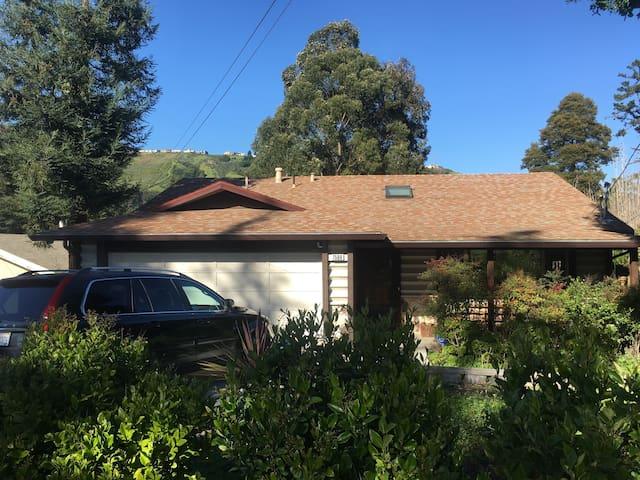 Beautiful Home w/ Large Backyard near San Fran