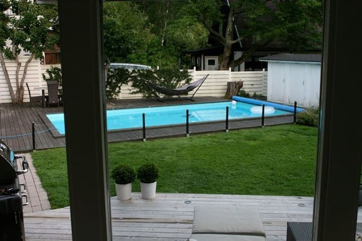 Big house with pool only 25 min to Stockholm city.