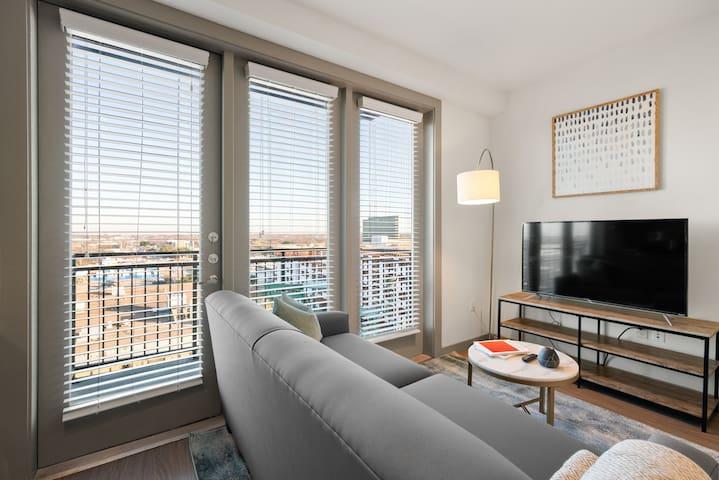 Kasa | Arlington | Sophisticated Studio Apartment