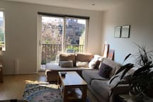 Large canalside house, quiet and very well-located