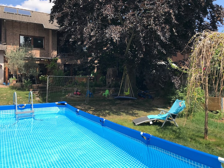 Großes Haus mit Garten u. Pool - Kinderparadies!!!