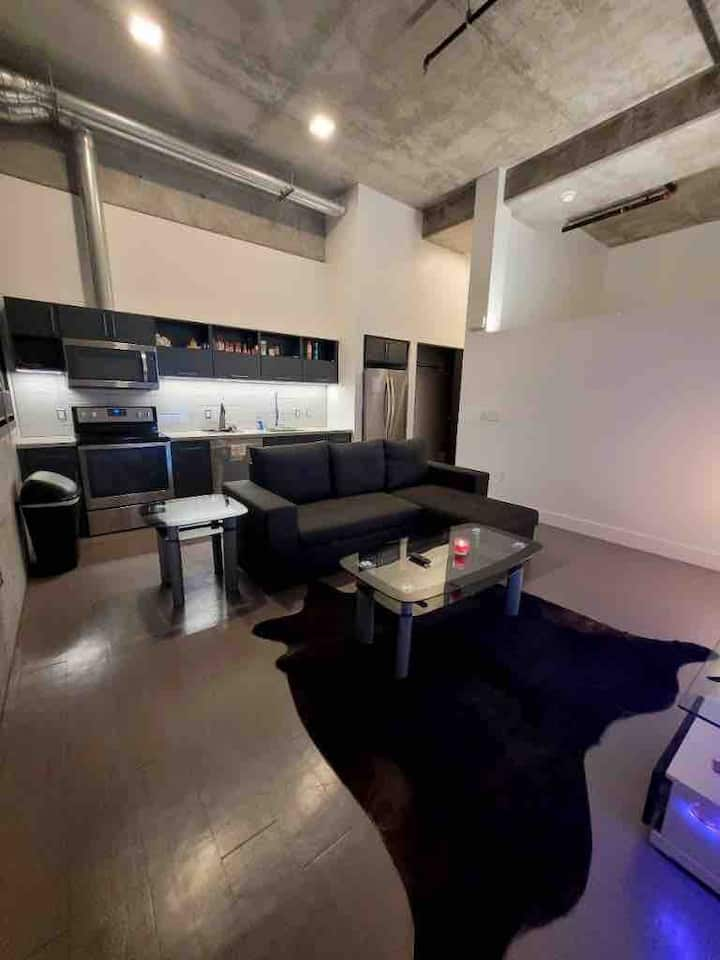 Luxury Condo Downtown/East Village