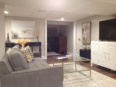 Cozy Comfortable Apartment-  Perfect Location
