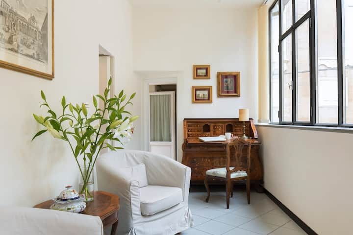 Apartment with terrace near Duomo
