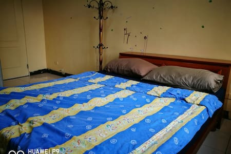 *燕子窩*bird's nest Simple&comfortable room 舒適又便宜的房間 - Flat