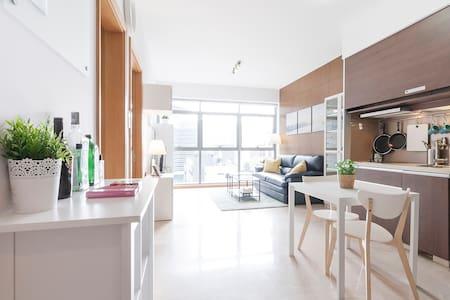 Modern Luxury Downtown Studio Suite @ CBD - Singapore
