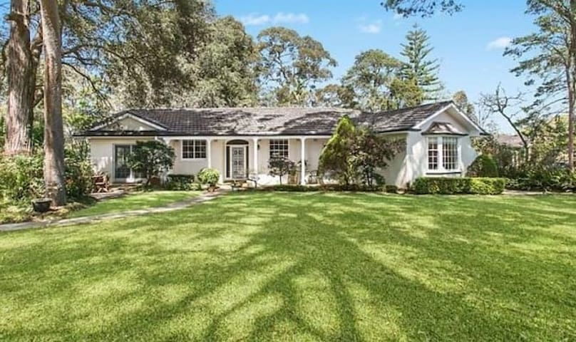 West Pymble House, Large Private Room & Bathroom