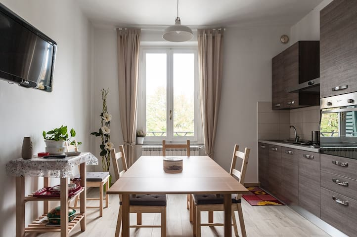 Nice renewed flat in the best area! - Empoli - Lägenhet