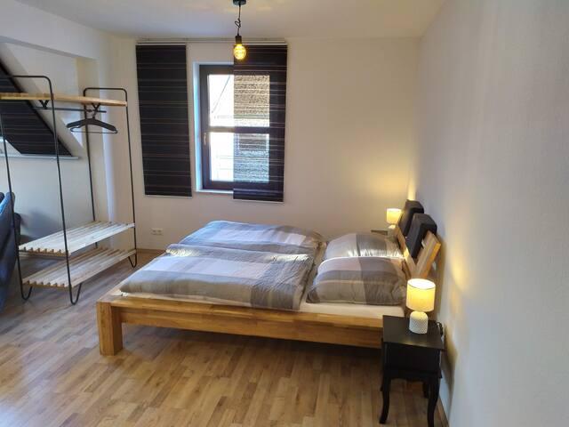 Super gemütliches Doppelbett mit hochwertigen Kaltschaum-Matratzen