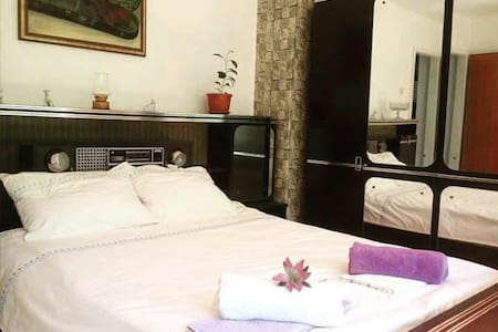 Spacious room in Old Town-free and private parking