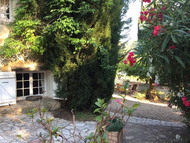 Bastide in the heart of a winery estate