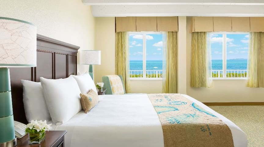 PREMIUM OCEAN VIEW | JUNIOR SUITE KING