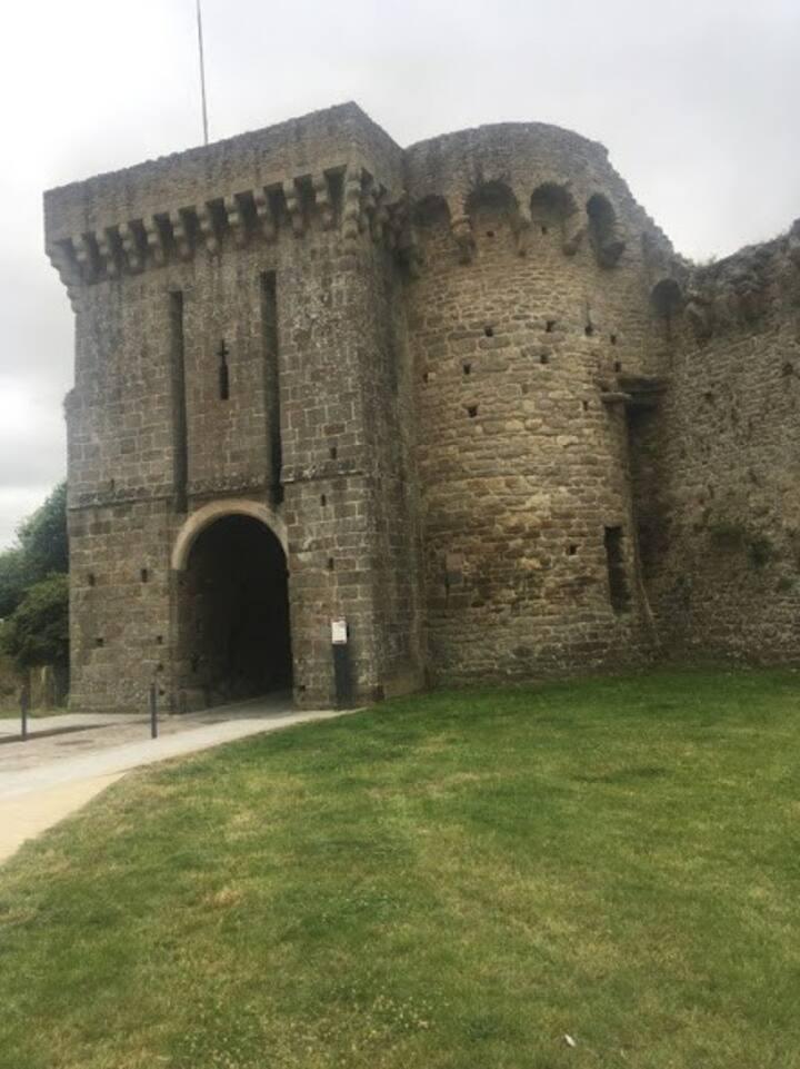 Appart très calme, 150m centre historique de Dinan