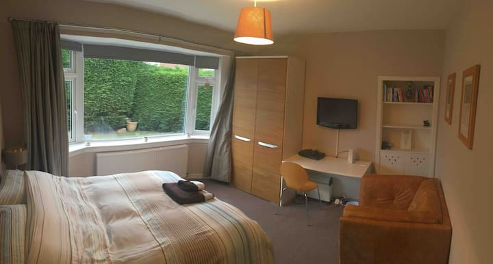 Pleasant and comfy double room nr zoo and airport