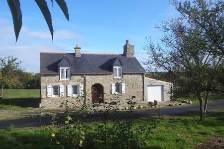 Maison bretonne - Jugon-les-Lacs